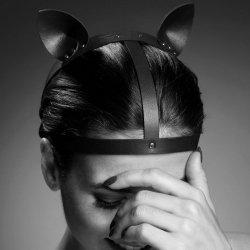 Accessoire de labyrinthe avec des oreilles de chat noir